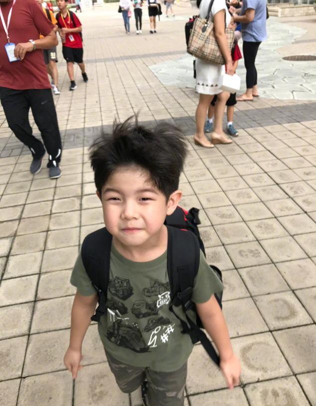 胡可晒照为儿子庆生,6岁小鱼儿将上小学,或与安吉当同门师兄弟