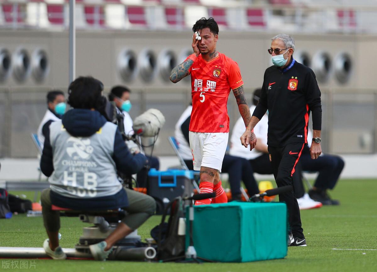 广州恒大哑火!0-0闷平韩国保级球队,张琳芃遭飞踢染血离场