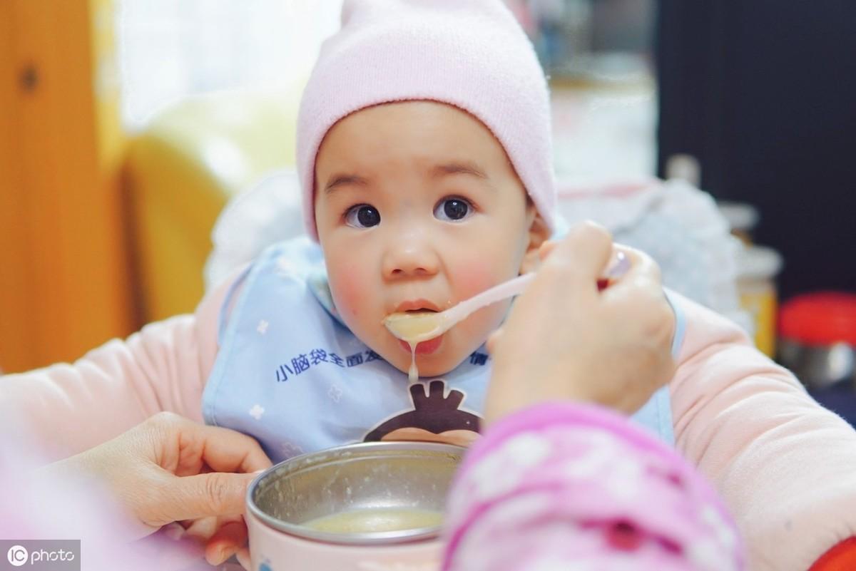 8~9月是宝宝猛临时,怙恃需要公平给孩子布置辅食,附5款辅食菜谱