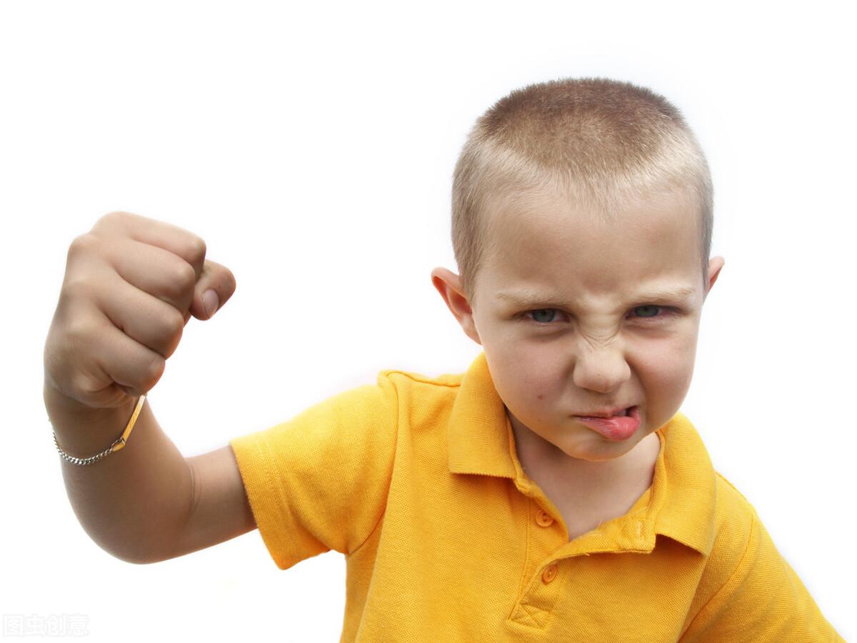 当小孩子变得刻薄时怎么办?心理学家分析幼儿攻击性行为