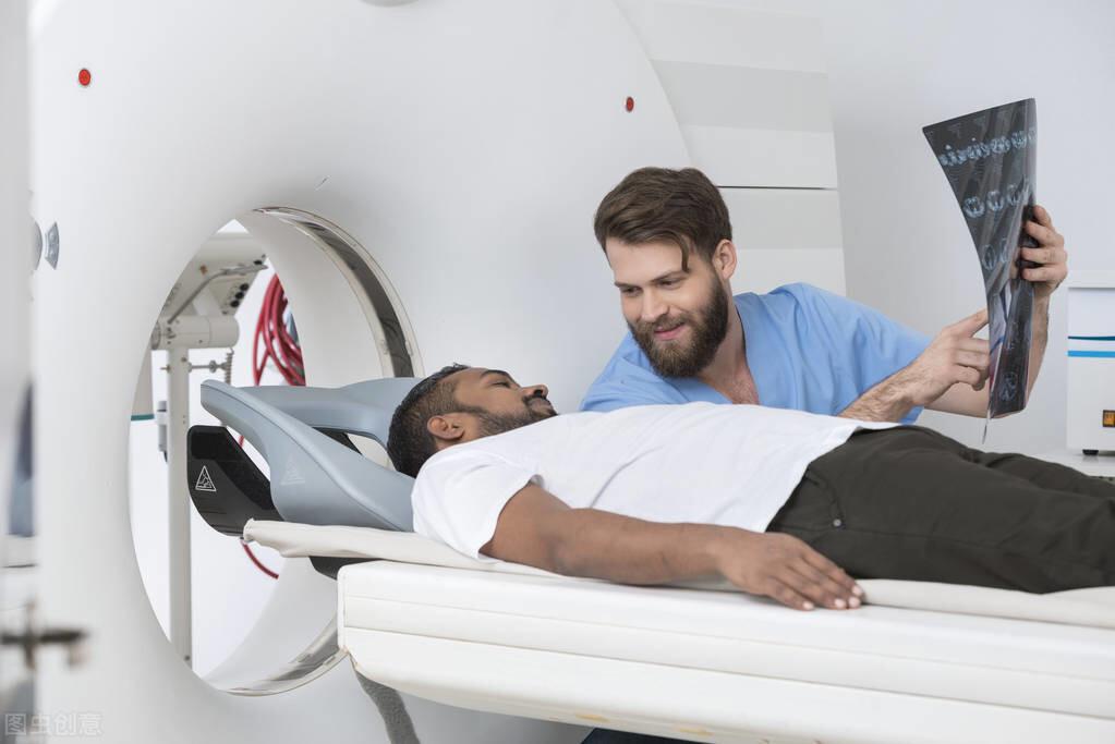 肺癌=死刑?医生说:一年一次低剂量肺部CT,做到早发现早治疗