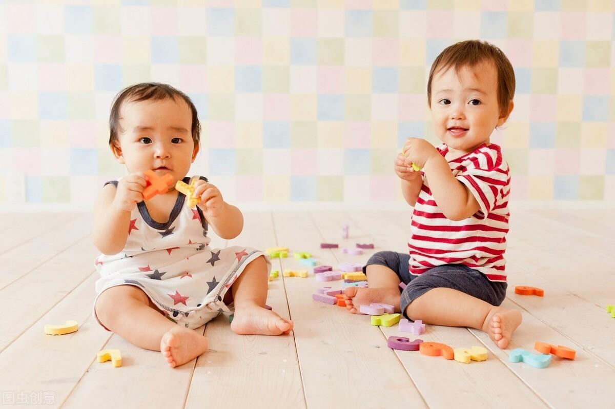 老人说:越早笑的宝宝越聪明,宝宝微笑的背后是智商碾压?