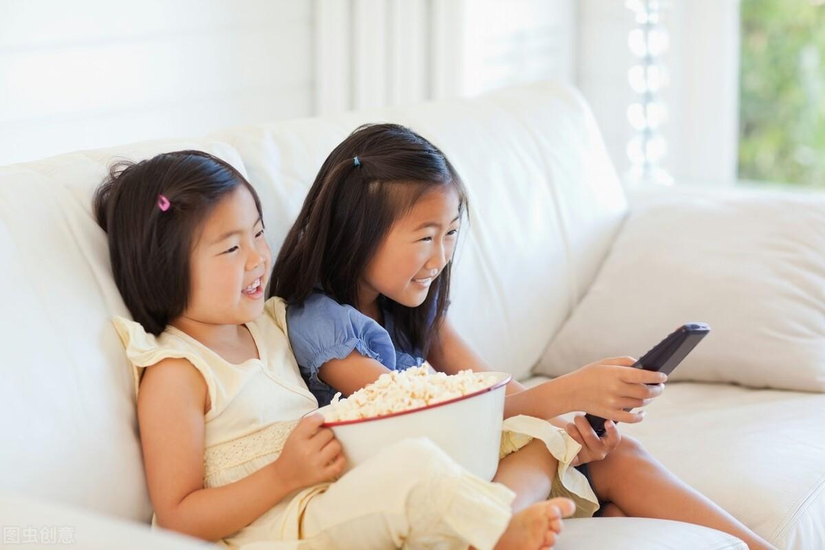 孩子为啥总重复看同一集动画片?是在传递这3个信号,家长要知道