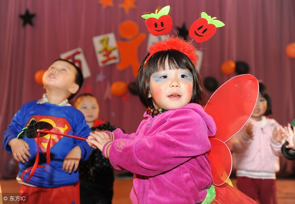 幼儿园组织孩子过万圣节,家长:万圣节是什么鬼?又要折腾我们!