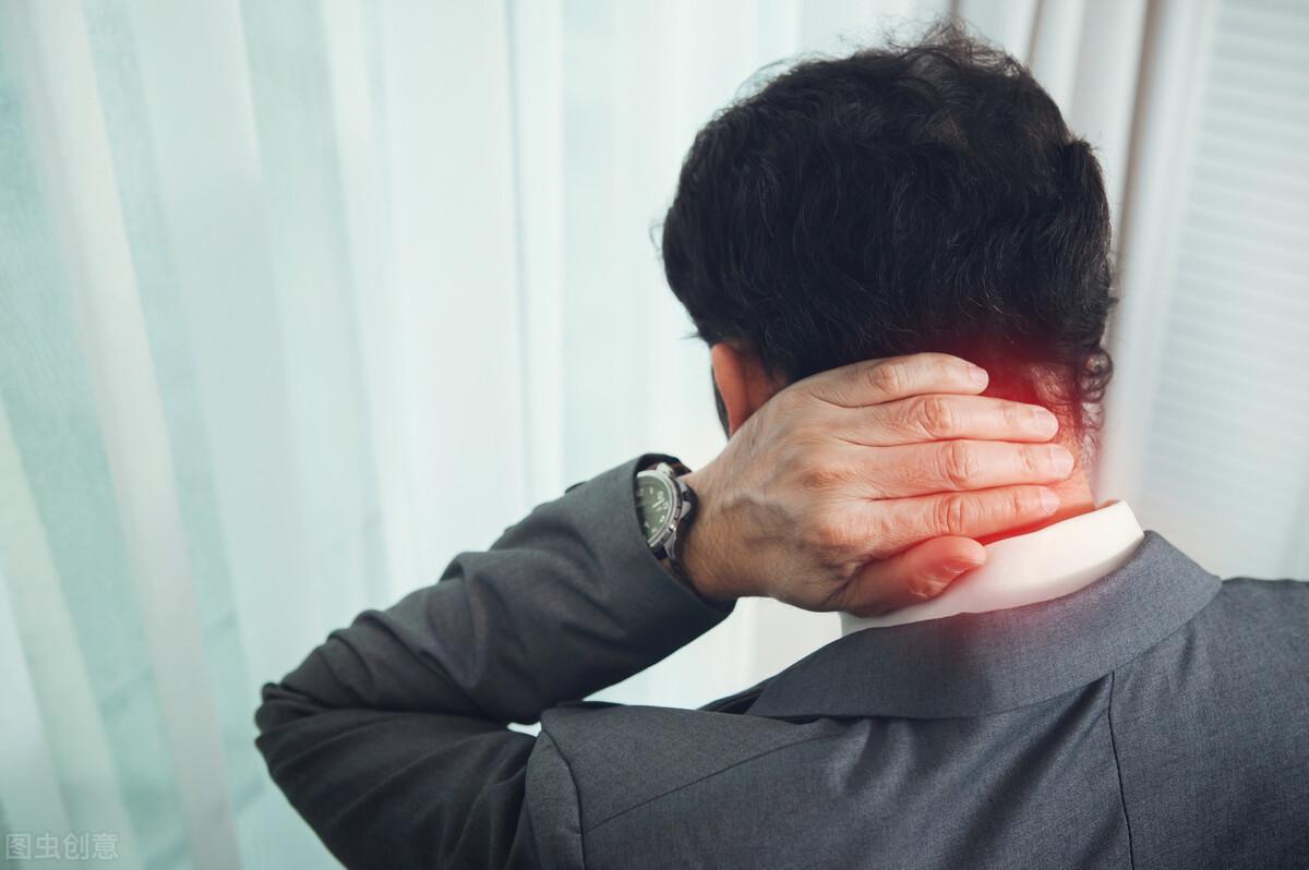 颈椎病治疗效果很差?可能是你没搞对类型,神经根型颈椎病6大症状需谨记
