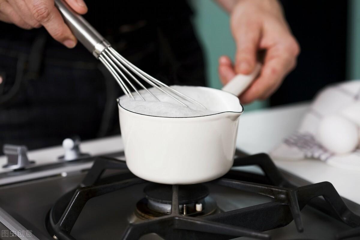 牛奶怎么加热最好?能不能煮沸牛奶?牢记这2点,轻松热好营养奶