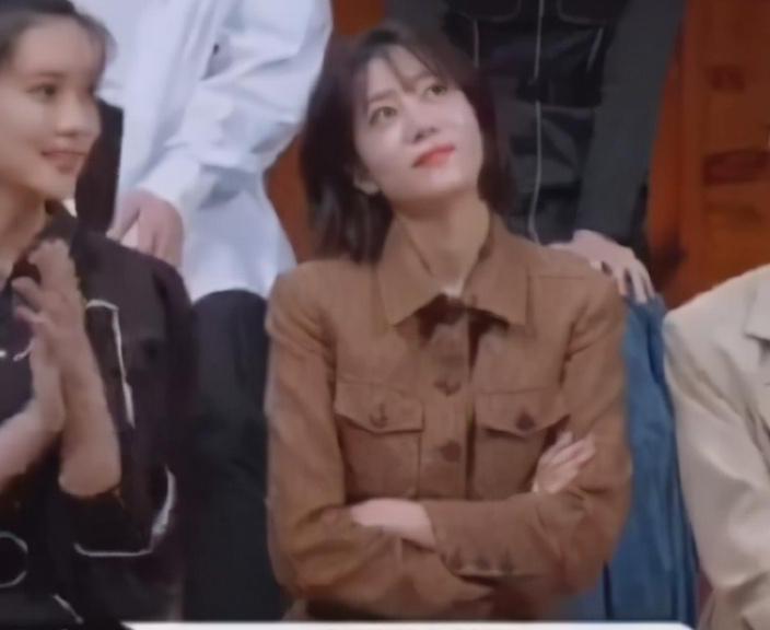 李溪芮看到辣目洋子选顾里,表情十分不屑,被吐槽没演技还甩脸色
