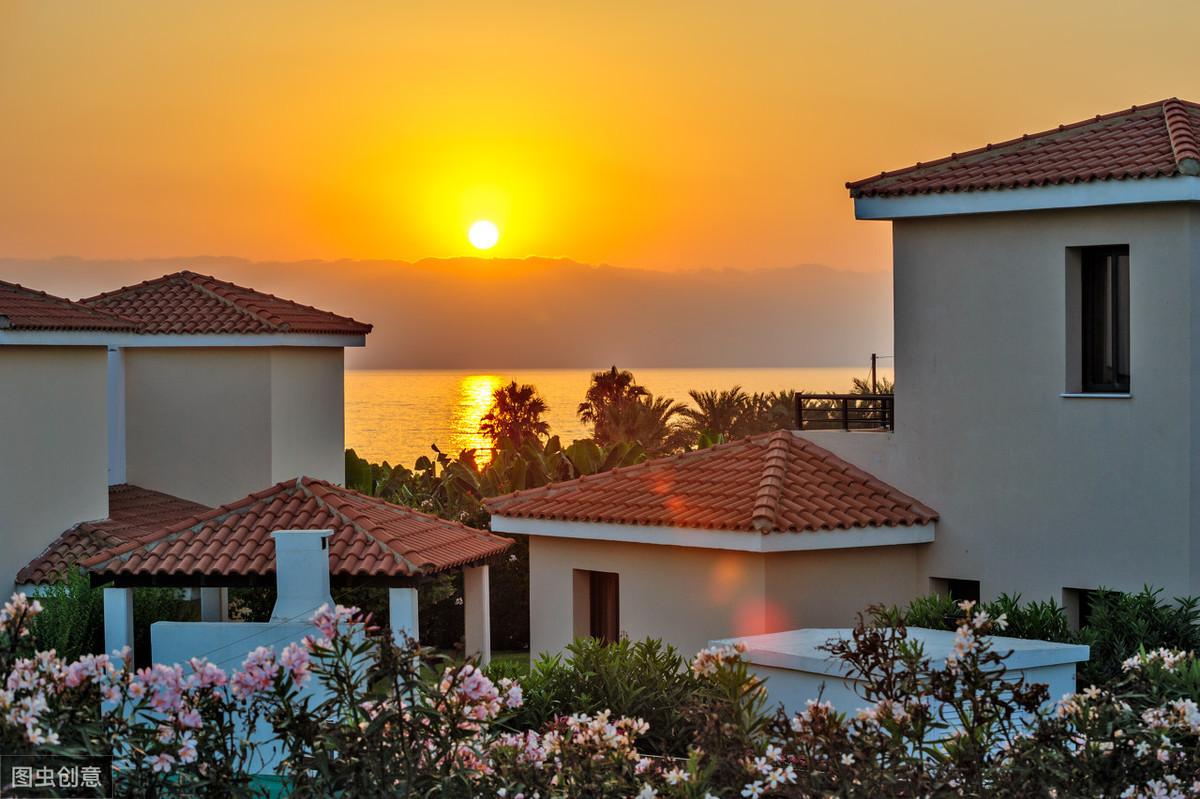 海南三亚,独栋200m²瞰海别墅,650万/套,大庭院+泳池,精装修