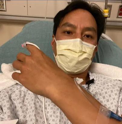 吴彦祖阑尾炎再次复发,穿着病号服的他,脸上满是憔悴,令人心疼