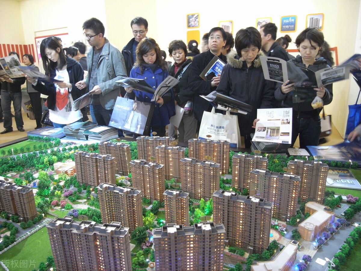 中国人拼命赚钱,但大家都不富裕。钱去哪了?