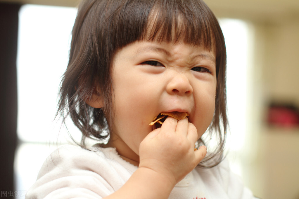 """孩子吃饭不长肉,多是脾胃不好!用""""五穴疗法"""",给孩子健脾和胃"""