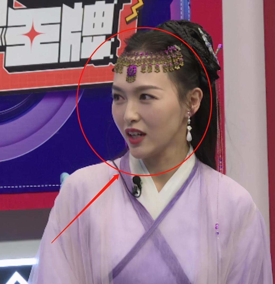 唐嫣直播再现紫萱造型,离开十级精修待遇后,确定有37岁吗?