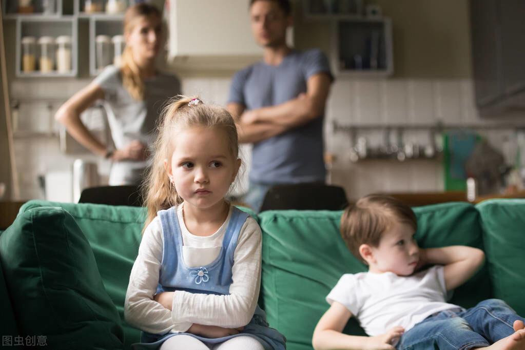 """女儿的""""校园暴力""""事件吓坏了我:撕开成年人的伪装,还孩子真诚"""