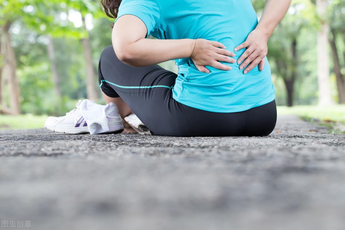 """女性50岁后是骨质疏松""""高峰期"""",3个预防方法,避免骨质疏松"""