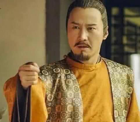 皇帝要杀皇后,丈母娘磕头求饶,老丈人灭了皇帝全族