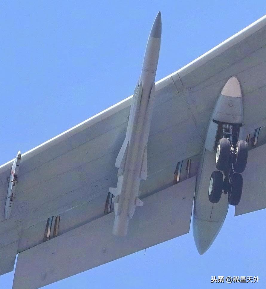 无惧美疯狂售台武器,我军即将装备世界最大空射导弹
