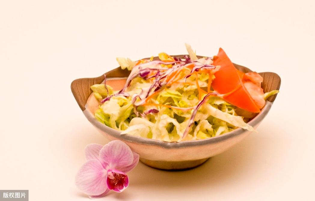 李子柒三月三春日鲜花宴,鲜花不仅好看还好吃,在国外是高端食材