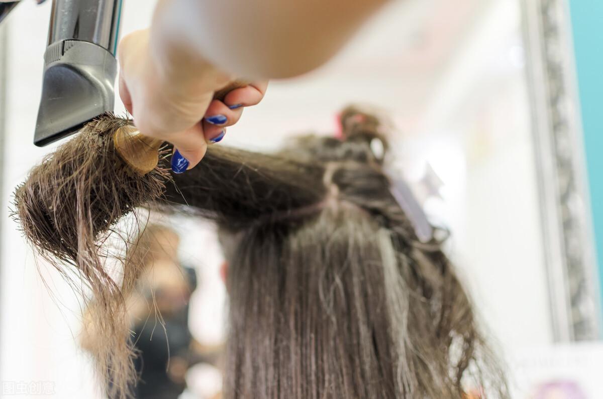 冬季头发容易受伤,这4种发质要注意了,做好这4点避免头发受伤