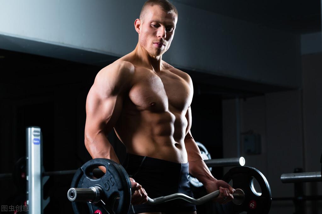 男士坚持这4个健身动作,提高肌肉力量,让你保持年轻状态  健身 第3张