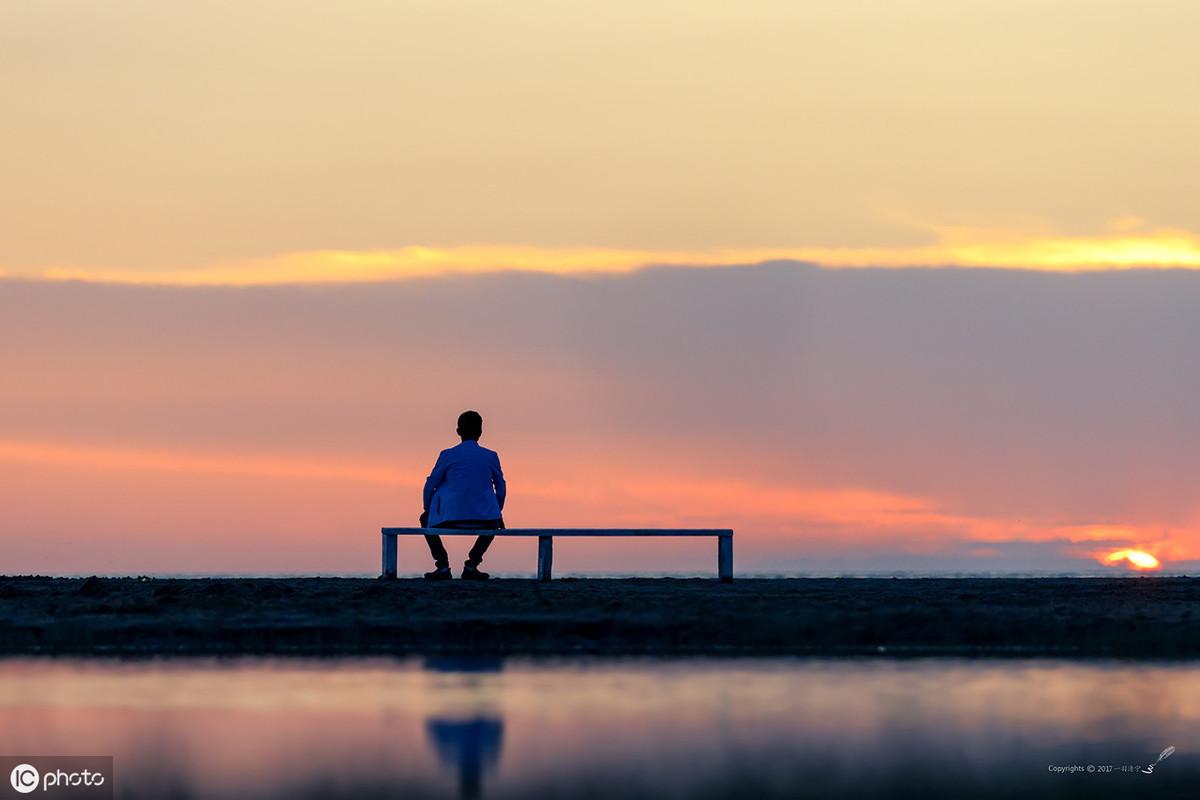 抑郁症患者:只想躺在床上,不想运动,不想做事,怎么办 ?