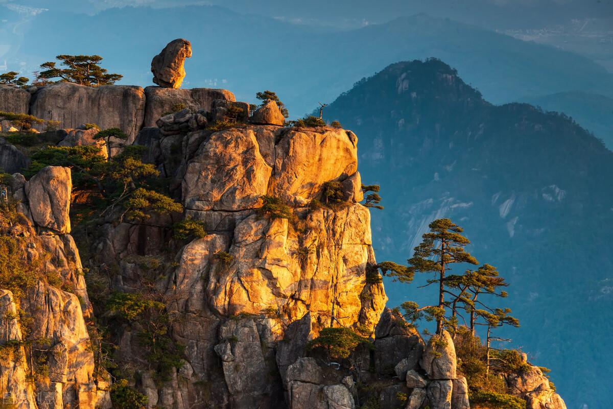"""安徽黄山,世界文化与自然双重""""遗产"""",有""""天下第一奇山""""美誉"""