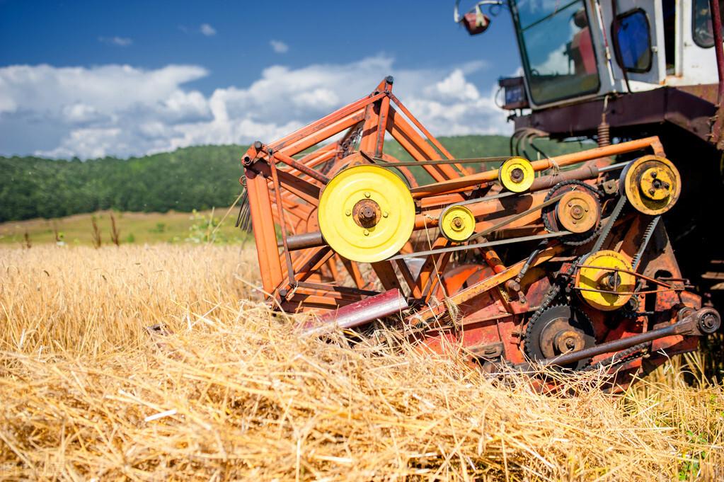 大力发展农业小型机械化是中国农业走向强大的必由之路