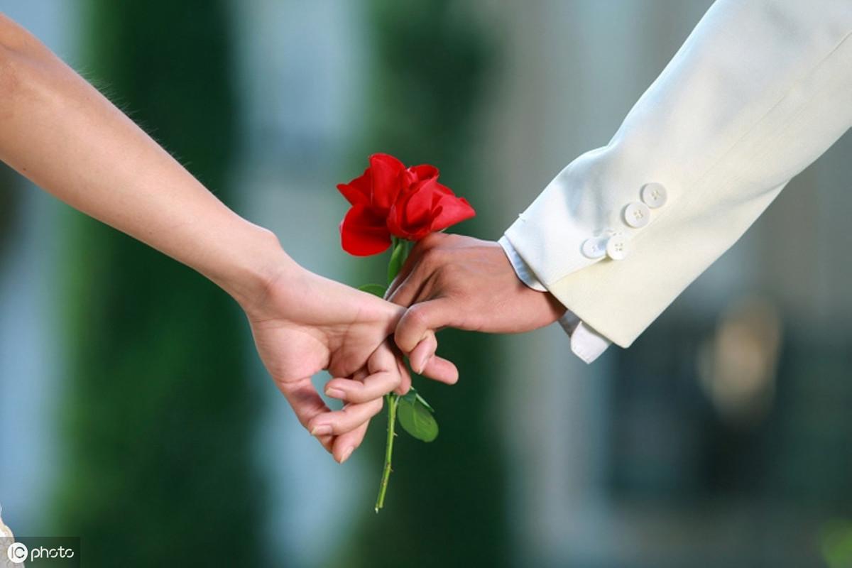 结婚60年是什么婚(结婚周年名称表)