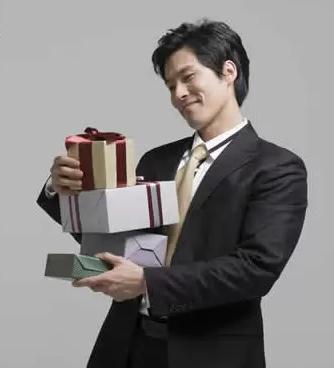 [男朋友生日送什么好]男朋友生日送什么礼物好?经验推荐100个!