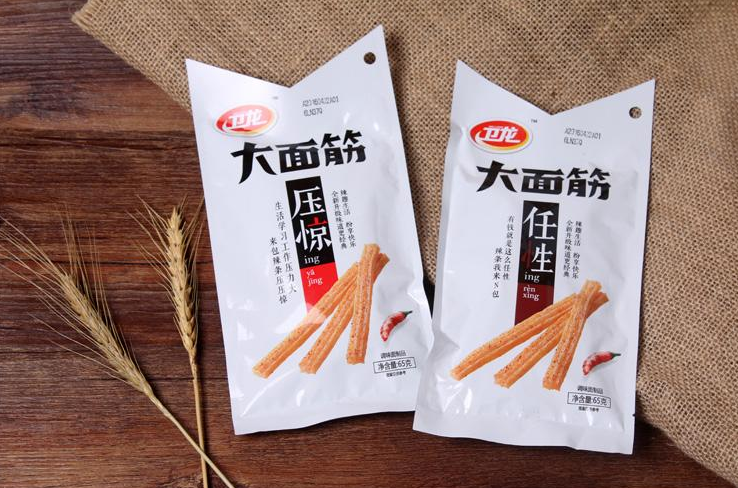 """5毛辣条卖出500亿,刘卫平又有""""大动作"""",或将超越老干妈"""