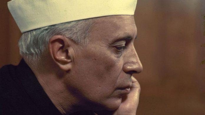 尼赫鲁,为什么印度人逐渐抛弃了这位开国总理?