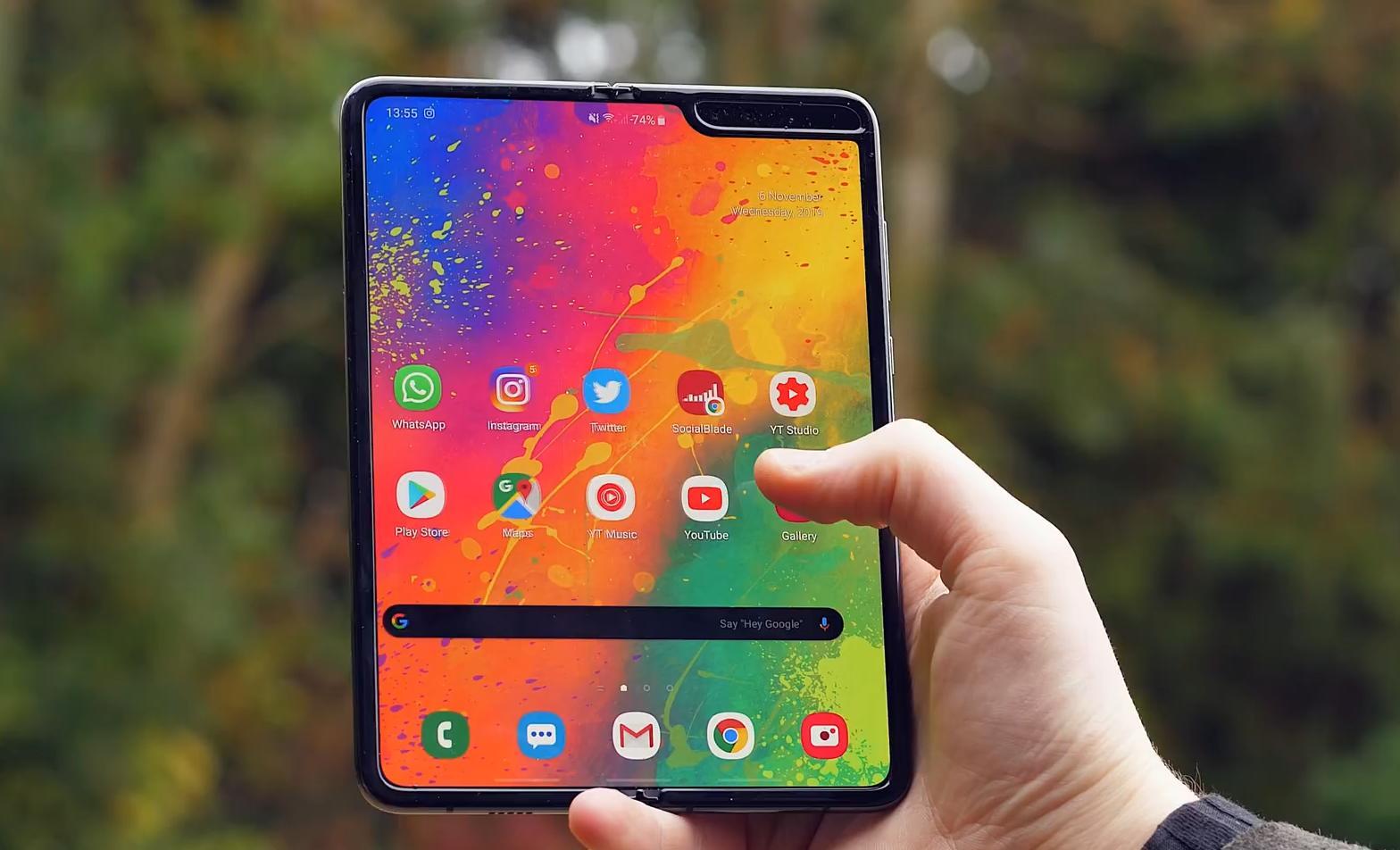 折叠屏幕手机,到底还能不能走进大众市场?