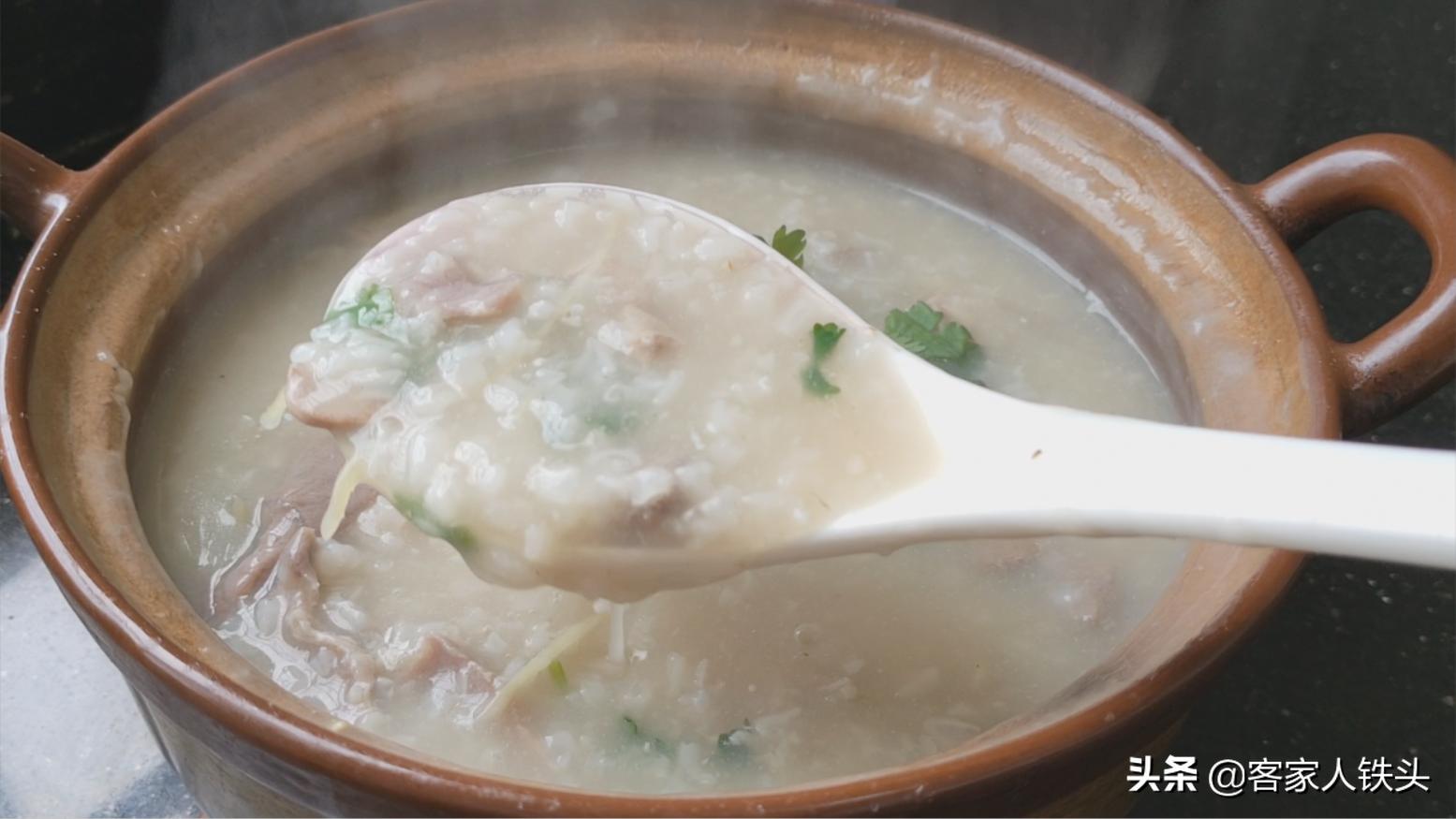 广东特色早餐吃法,天冷最适合吃,鲜香顺滑营养,一周吃3次不腻