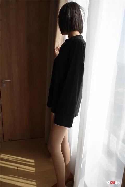 丝袜少妇极品翘臀美:丝臀