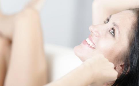 皮肤干燥脱皮怎么办 皮肤保养 第2张