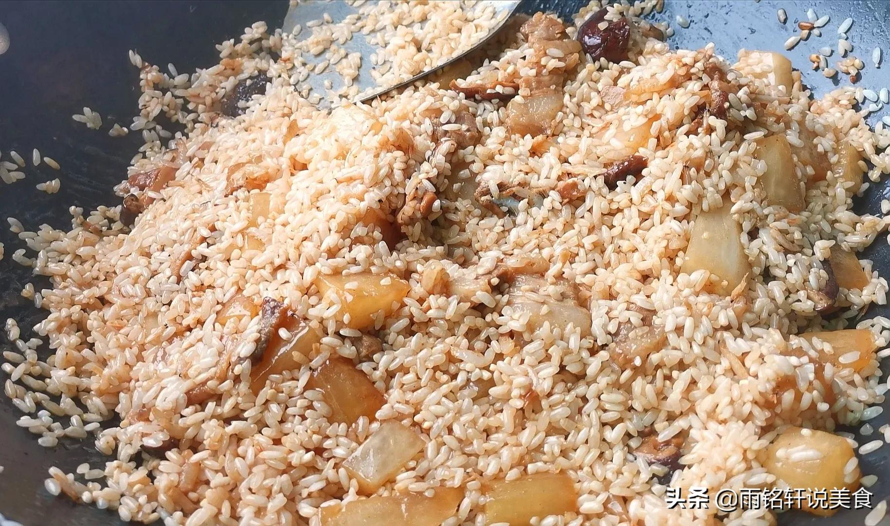 終於找到大米飯最好吃的做法,有葷有素還營養,吃一次就念念不忘