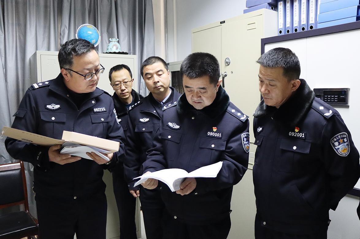 张承平同志调研指导临夏市公安基层基础工作