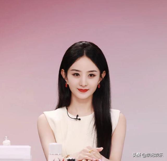 曝赵丽颖离婚后,拒绝圈内男艺人示好,原因跟上段婚姻有关