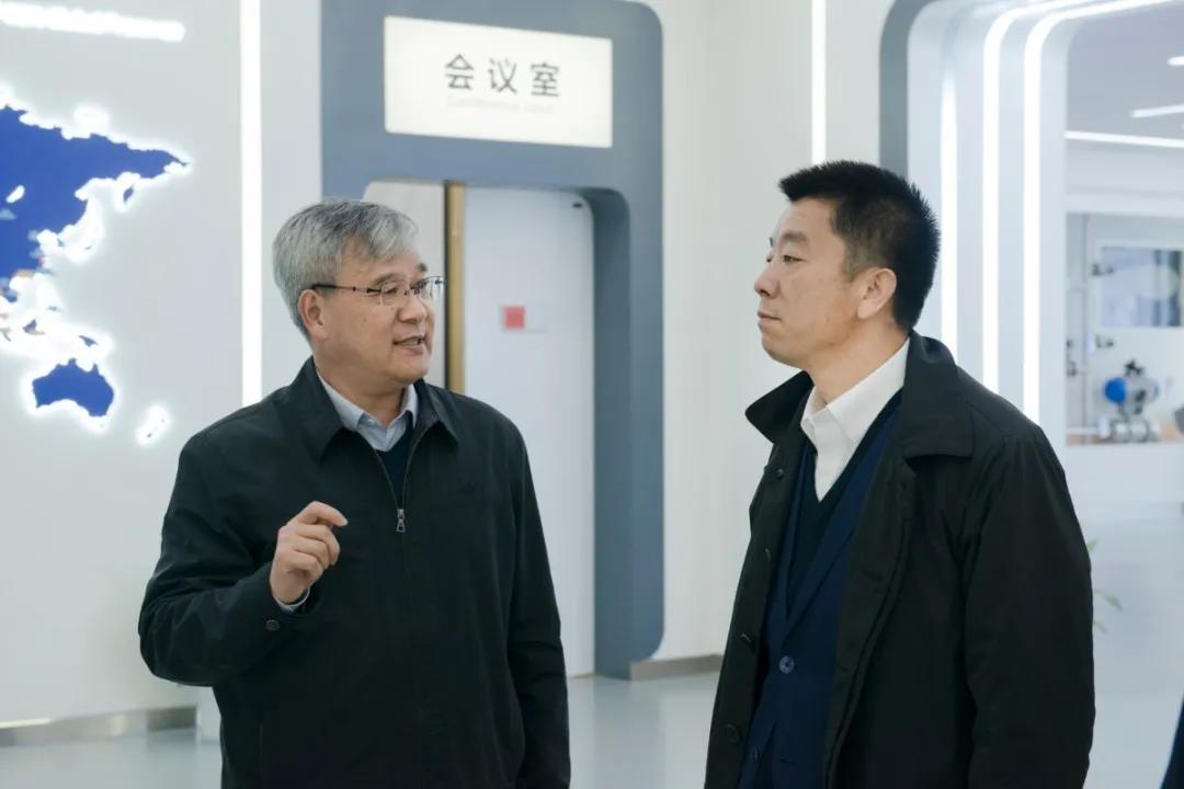 上海证券交易所总经理蔡建春一行来访中控技术