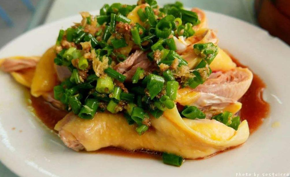 蔥油燜雞懶人做法:不放一滴水,出鍋嫩滑爽口,蔥香味十足