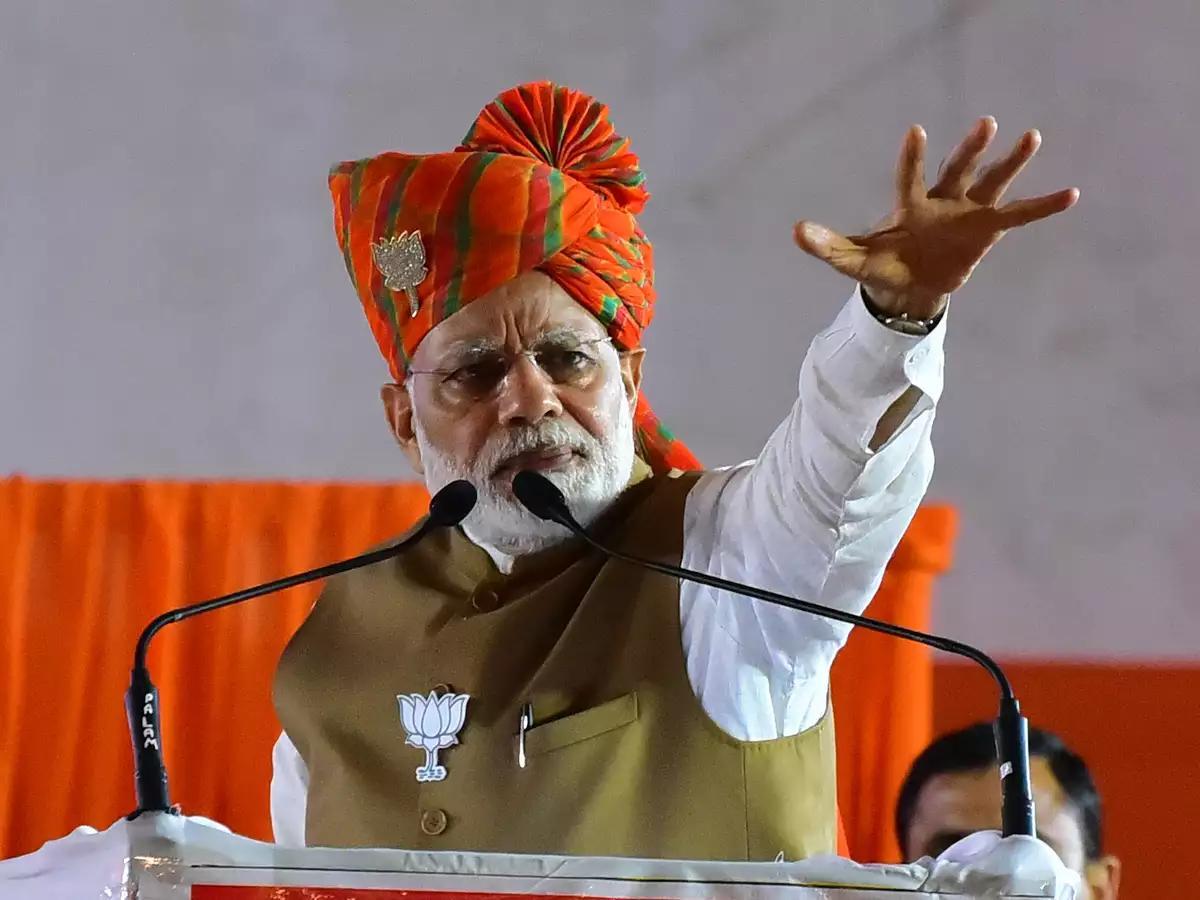 印度农民抗议越演越烈!莫迪杀鸡儆猴,10万农民上演绝地反击