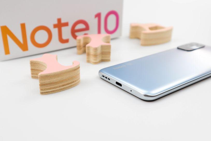 更轻一点的小金刚:Redmi Note 10图赏
