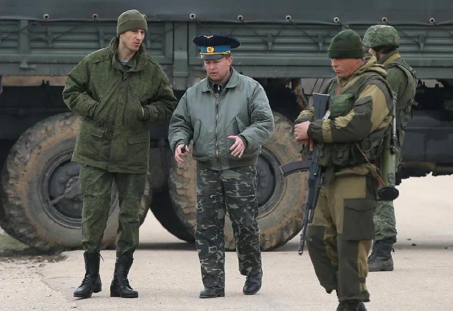 俄罗斯走私军火有多疯狂?一箱罐头一杆枪