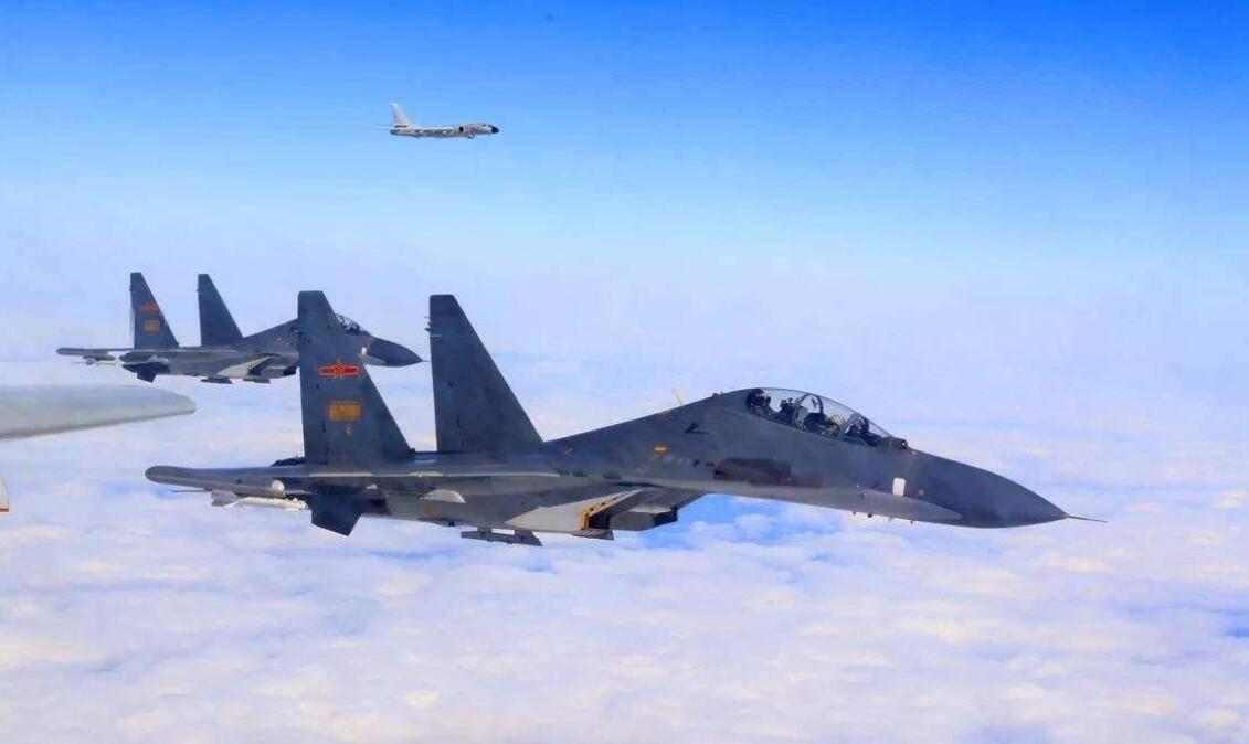 派战机飞到台湾岛上空,打击美台反华分子嚣张气焰?中国值得为特朗普出手吗