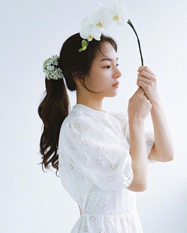 五官精致的小臉韓國小姐姐 咸甜風格都能駕馭
