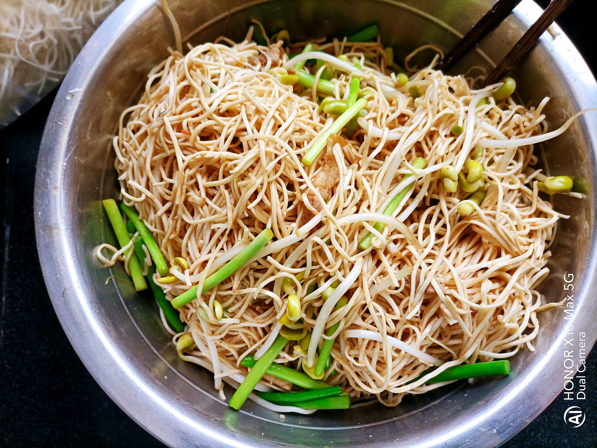 来自河南的河南版蒸卤面,简单又好吃,喜欢的做起来吧 美食做法 第10张