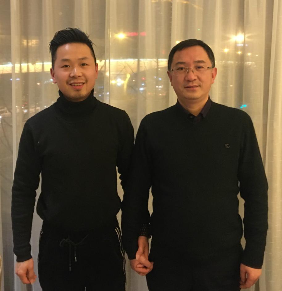 龚氏网总编辑与四川法制网总编辑杨舒程在成都交流研讨