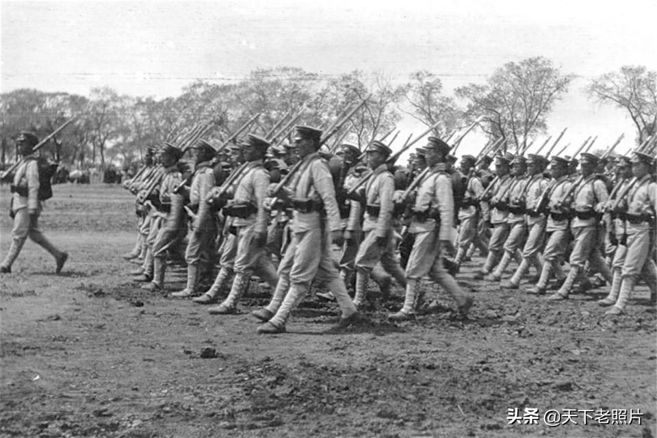 可恶!1904年日俄战争期间 占领旅顺的日军照片