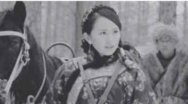 川軍排長失蹤,妻子尋找六十年,80歲結婚當天,才知他在身邊
