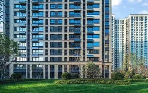 """明年起,高楼""""全面消失""""?住宅实行""""新标准"""",两类人从中受益"""