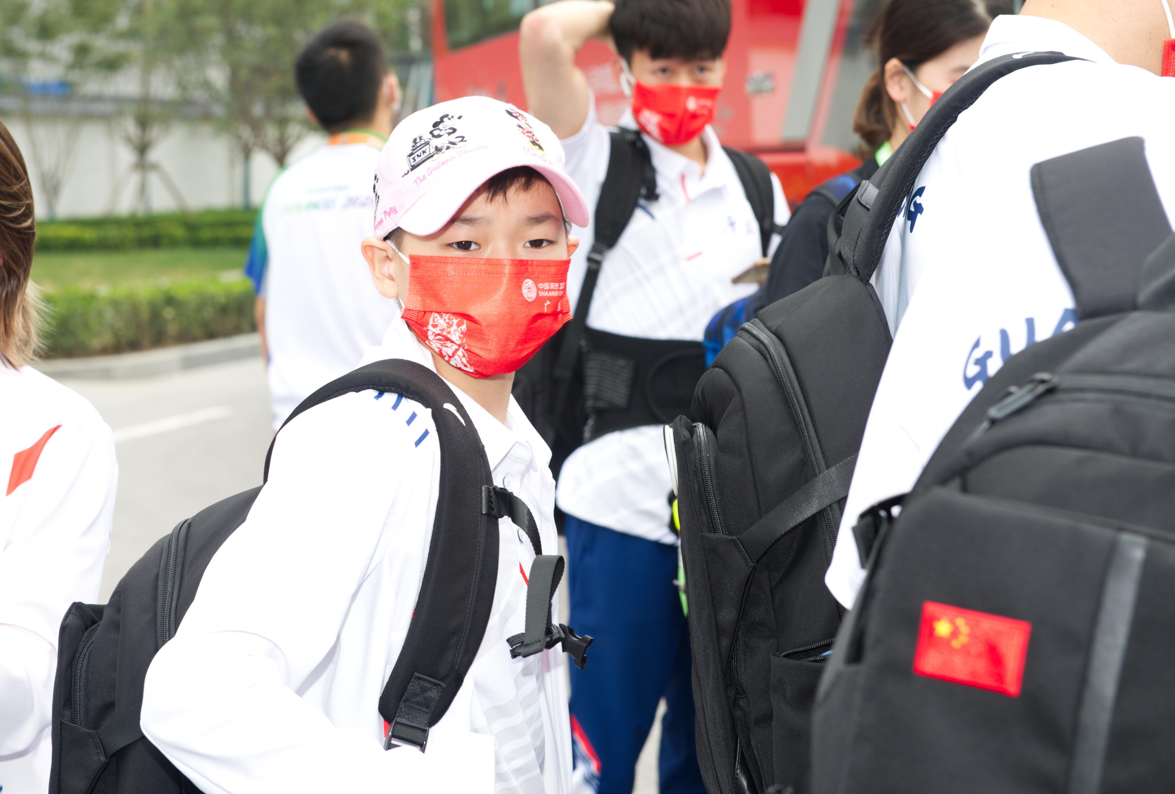 奥运冠军全红婵抵达全运村